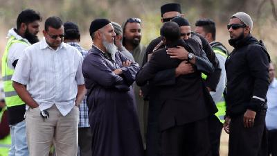 New Zealand Marks One Week Since Mosque Attack with Prayers
