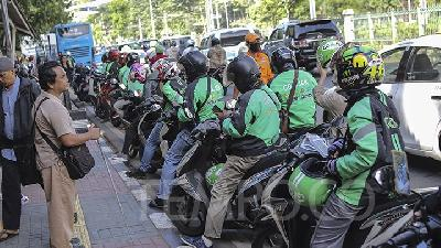 Jakarta Firm on Online Ojek Drivers Who Cause Traffic Jam