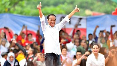 Jokowi Calls Voters to Wear White Clothing on Election Day