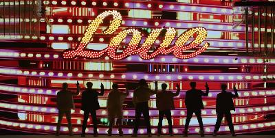 Intip Variasi Busana dalam  Video Musik BTS Boy With Luv