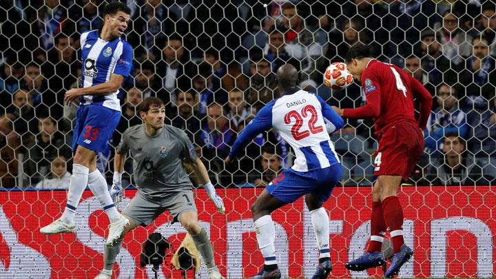 Liverpool's Virgil van Dijk scores their fourth goal during match Champions League Quarter Final Second Leg between FC Porto v Liverpool at Estadio do Dragao, Porto, Portugal, April 17, 2019. REUTERS/Rafael Marchante