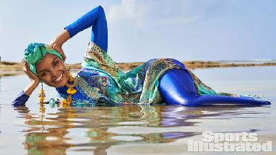 Halima Aden Model Hijab Pertama yang Tampil di Sport Illustrated