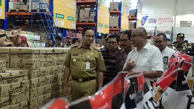 Anies Baswedan Asks PD Pasar Jaya to Raise Stocks during Ramadan