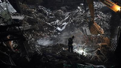 Five Dead in Building Collapse in China's Shanghai