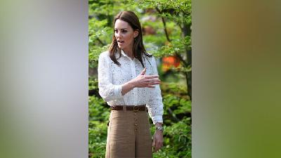 Fashion Musim Panas Kate Middleton, Sneakers sampai Gaun Floral