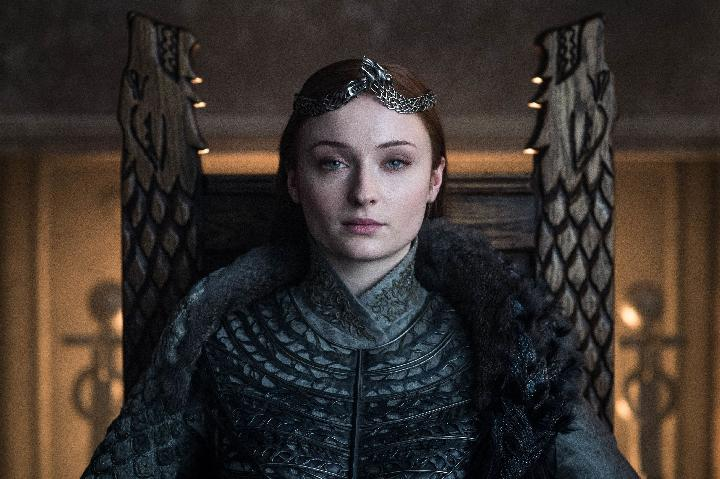 Gaya rambut Sophie Turner sebagai Sansa Stark di serial Game of Thrones. HBO