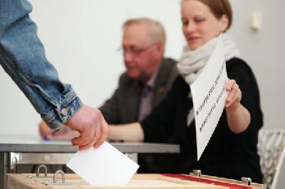 Europeans Vote, with EU Future in Balance