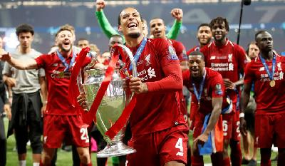 Virgil Van Dijk Named UEFA Player of the Year Awards