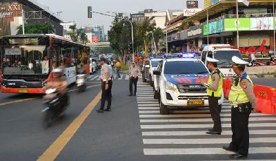 Police Divert Jakarta Traffic following PA 212 Rally Today