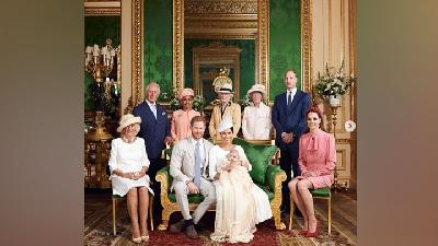 Ahli Maknai Pose Kate Middleton - Pangeran William di Foto Ini