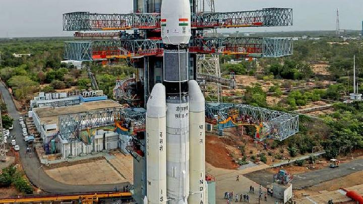 Roket Misi Bulan India Chandrayaan-2. Kredit: The Economic Times