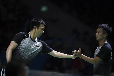 Hong Kong Open: Depak Juniornya, Hendra / Ahsan ke Perempat Final