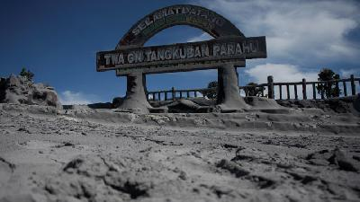 Tangkuban Parahu Normal; People Still Barred from Nearing Crater