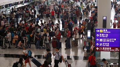 Hong Kong's Airport Reopens After More Than 200 Flights Cancelled