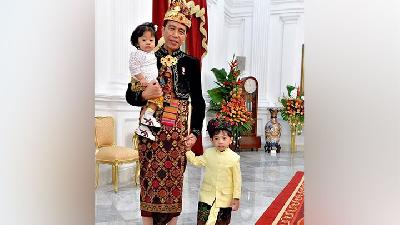 Jokowi Wears Traditional Balinese Attire for Independence Day