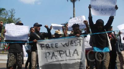 6 Papuan Activists Named as Treason Suspects File Pretrial