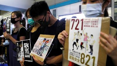 Protesters Return to Hong Kong MTR Stations