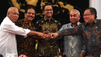 Luhut, Anies Baswedan Hold Closed Meeting on New Capital City
