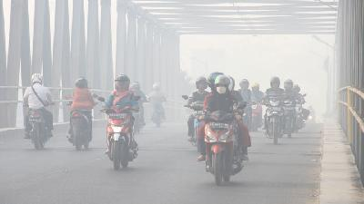 Paser District in East Kalimantan Shrouded by Thick Smog