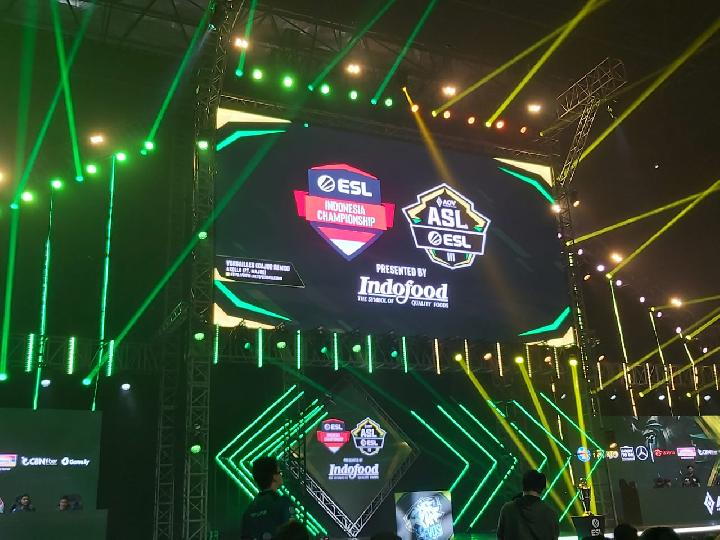 Grand final AOV Star League (ASL) by ESL Season 3 di Tennis Indoor Senayan, Jakarta Pusat, Sabtu, 14 September 2019. TEMPO/Khory