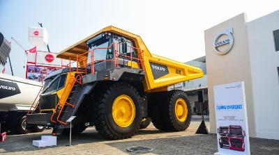 Volvo Trucks Indonesia Pamer Performa di Mining Indonesia