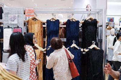Uniqlo Buka Gerai di Mal of Indonesia