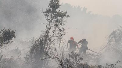 Day 6 of Forest Fires in Jonggol; Officers Still Stand Guard