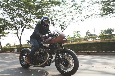 Uniknya Modifikasi Royal Enfield Continental GT650 ala Cafe Racer