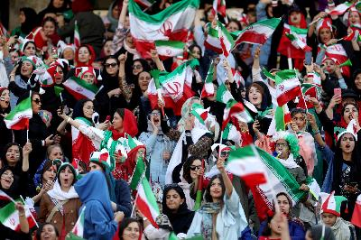 Iran Thrill Female Fans amid World Cup Qualifying Goal Rush