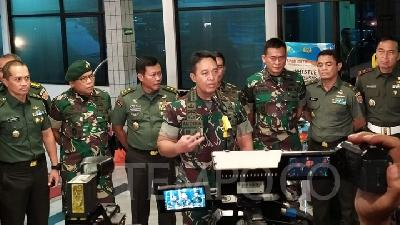 TNI Members Removed over Wives' Comments on Wiranto Stabbing