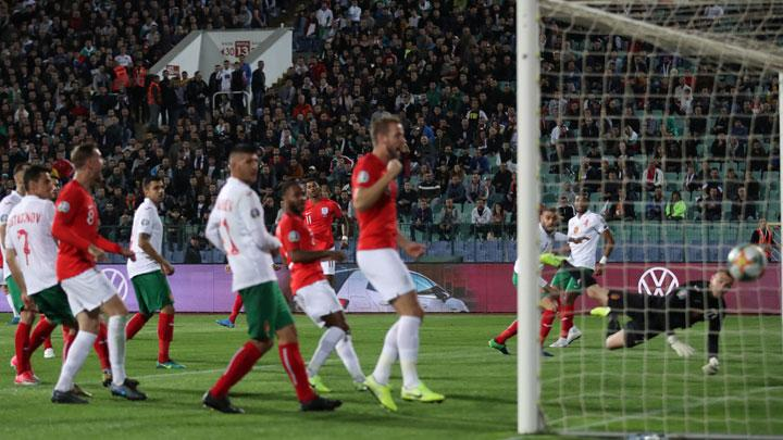 Gelandang Inggris, Marcus Rashford, mencetak gol ke gawang Bulgaria dalam pertandingan Grup A Kualifikasi Piala Eropa 2020 di Vasil Levski National Stadium, Sofia, Bulgaria, 15 Oktober 2019. Action Images via Reuters/Carl Recine