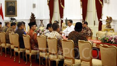 Jokowi Bottles Up to Questions Regarding KPK Law Perpu