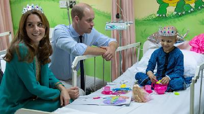 William And Kate Follow in Diana's Footsteps To Pakistan Hospital