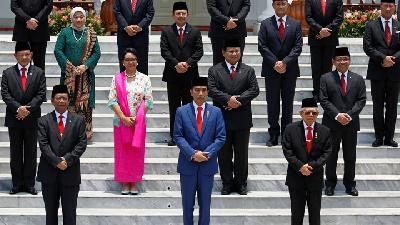 Jokowi Inaugurates His Cabinet at Presidential Palace