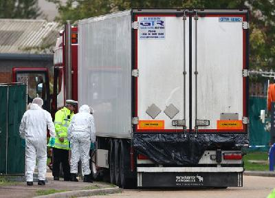 Police: All 39 People Found Dead in UK Truck Were Vietnamese