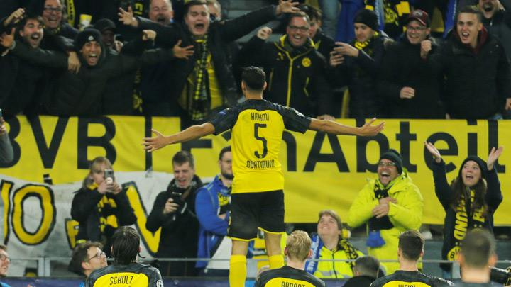 Borussia Dortmund's Achraf Hakimi celebrates scoring their third goal during the Champions League match, Group F between Borussia Dortmund and Inter Milan at Signal Iduna Park, Dortmund, Germany, November 5, 2019. Hakimi produced a blistering individual performance as he scored twice to help his side overhaul a two-goal deficit and beat Inter Milan 3-2 at home in their Champions League Group F clash on Tuesday. REUTERS/Leon Kuegeler