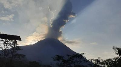 BMKG Explains Merapi Eruption - Sleman Earthquake Connection