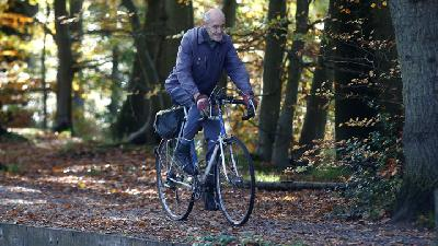 Cycling British 82 Year Old Makes His Million in The Saddle