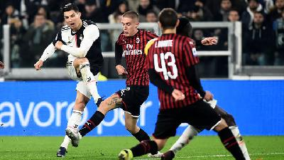 Ronaldo Penalty Earns Juventus Draw at 10-man Milan
