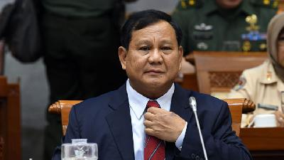 Prabowo Banned from Meeting Quarantined Repatriates in Natuna