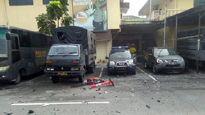Suicide Bomb Goes Off at Medan Police Station