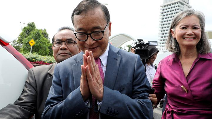 Indonesia Ordered Cambodia's Rainsy Barred from Flight to Jakarta