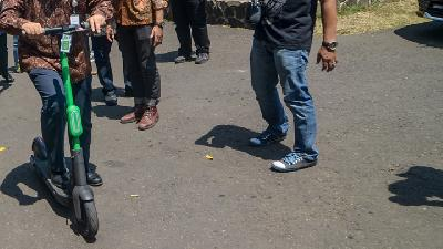 Anies Baswedan to Issue Regulation on E-Scooter
