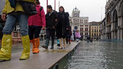 Venice Hit by Exceptional High Tide; Worst Week in 150 Years