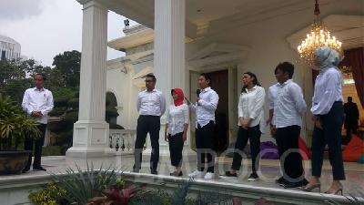 Jokowi Reveals His 7 Special Staffers