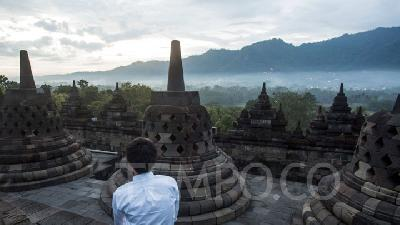 Borobudur Closes Several Tourist Areas Due to Visitors Negligence