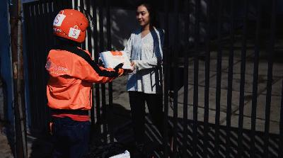 Shopee Denies Allegations of Courier Oppression, Low Wage