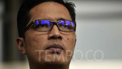Febri Diansyah Steps Down from KPK
