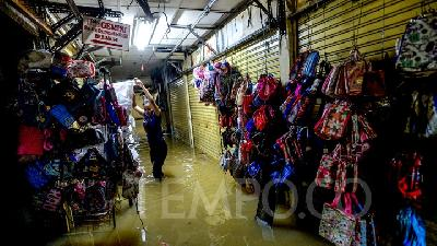 Jakarta to Provide Loan Relaxation for Flood-affected Businesses