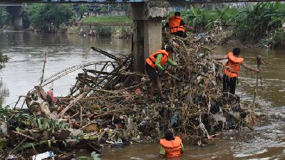 Flood Management; DPRD Compares Anies Baswedan to Ahok